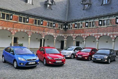 Ford Focus Honda Civic Hyundai i30 Opel Astra Toyota Auris