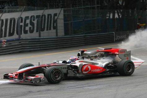 Jenson Button musste sein überhitztes Auto abstellen