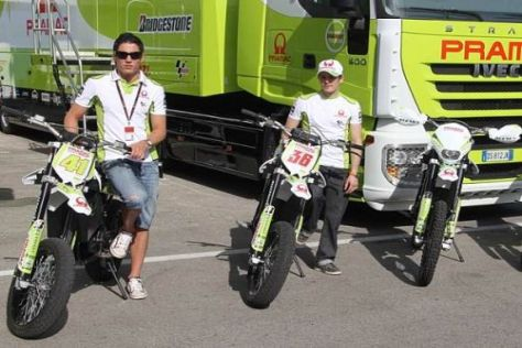 Espargaró und Kallio können die Strecken nun auf E-Bikes besichtigen