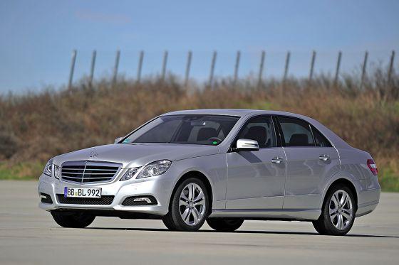 Besonders sparsam: Mercedes bringt für die E-Klasse einen Diesel-Hybriden.