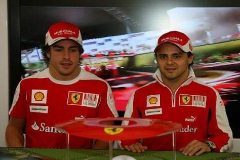 Fernando Alonso und Felipe Massa fahren 2010 für Ferrari - und wohl auch 2011