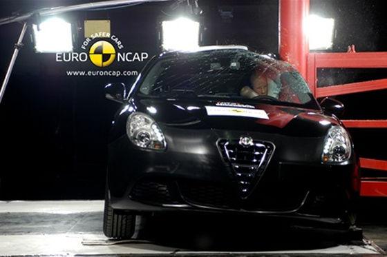 Alfa Romeo Giulietta im Euro NCAP-Crashtest Juni 2010