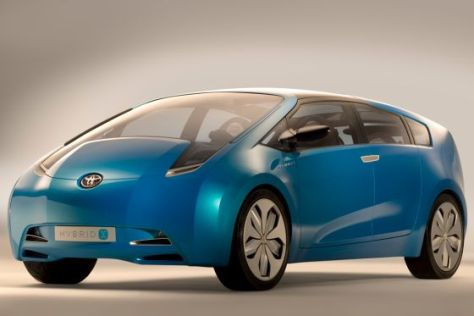 Toyota Prius Alpha Studie
