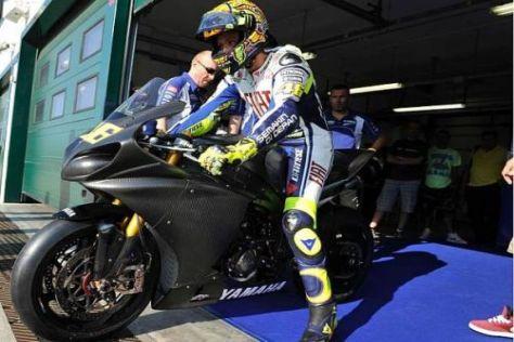 Valentino Rossi absolviert einen weiteren Test auf dem Superbike von Yamaha