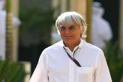 Bernie Ecclestone hat 2010 viel Spaß an Webber, stellt Schumacher aber in Frage