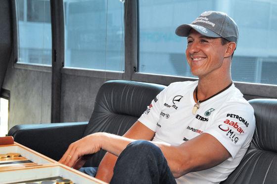 Michael Schumacher entspannt im Motorhome