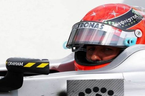 Der Blick von Michael Schumacher ruht auf der Zukunft: Es gibt noch viel zu tun...