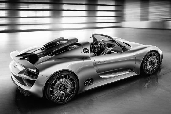 Angeblich geht es im 918 Spyder in knapp unter 3,2 Sekunden auf Tempo 100 und bis auf über 320 km/h Spitze.