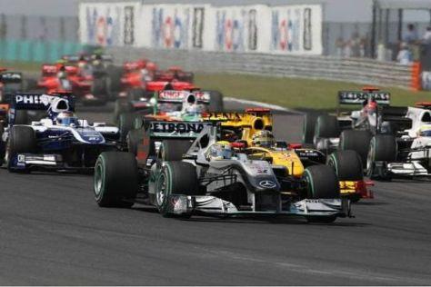 Nico Rosberg beendete das Rennen als Dreirad - Aus in der Boxengasse