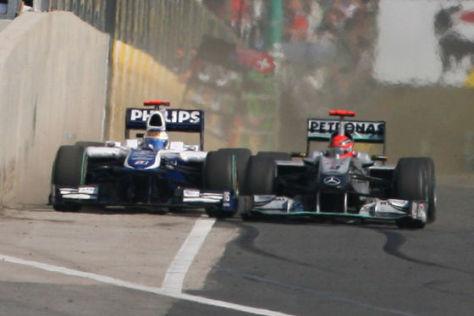 Schumachers Vergehen: Barrichello drängte er bei dessen Überholmanöver fast in die Boxenmauer.