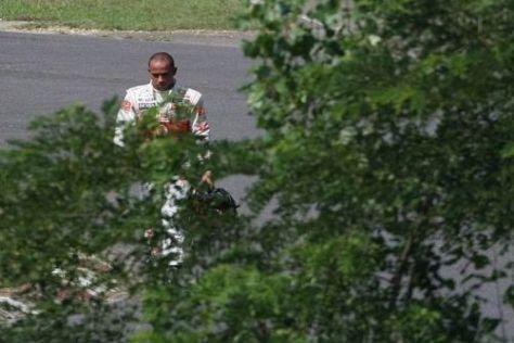 Lewis Hamilton wurde beim Großen Preis von Ungarn 2010 rasch zum Fußgänger...