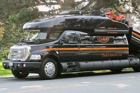 Dunkel Luxury 4x4