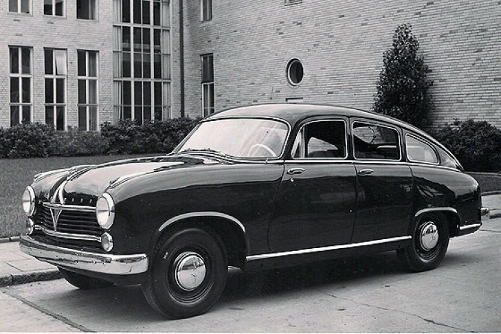 Borgward Hansa 2400 