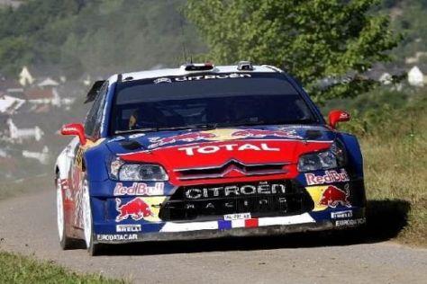 Sébastien Loeb war auf der berüchtigten Panzerplatte wieder eine Klasse für sich