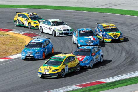 WTCC-Fahrerfeld kurz nach dem Start