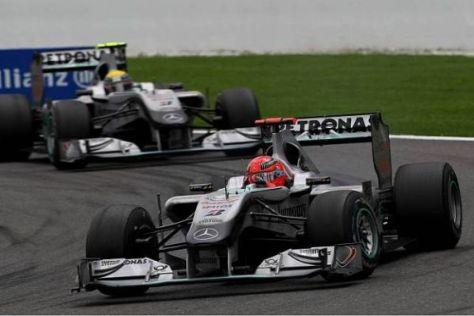 Im Trockenen lag Michael Schumacher noch vor Nico Rosberg