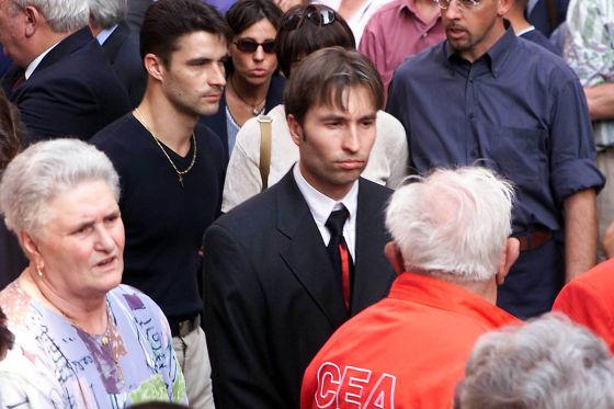 Heinz-Harald Frentzen auf der Beerdigung des durch seinen Reifen getöteten Streckenposten