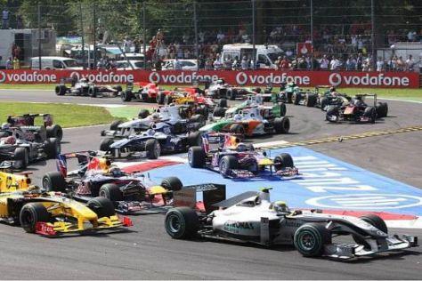 Nico Rosberg kam heil durch die erste Kurve - was schonmal wichtig war