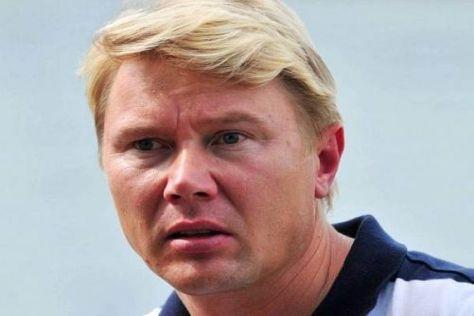 2001 ist Mika Häkkinen noch selbst gegen Fernando Alonso gefahren