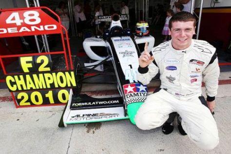 Dean Stoneman darf als Belohnung für den Meistertitel Formel-1-Luft schnuppern
