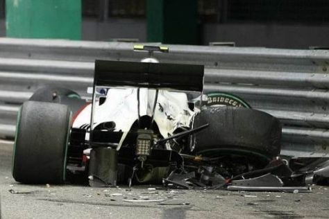 Kamui Kobayashis Auto wurde bei dem Doppel-Crash stark beschädigt