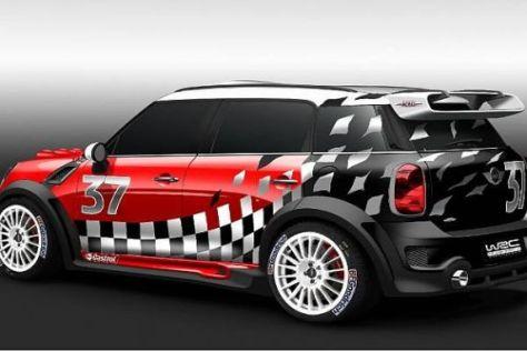 Typische Zusatzscheinwerfer, interessanter Heckflügel: Der MINI für die WRC