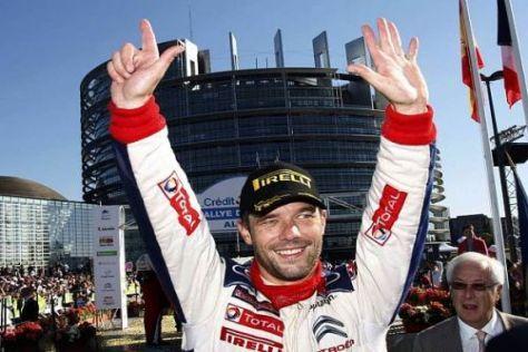 Nummer sieben ist geschafft: Sébastien Loeb beim Feiern in Straßburg