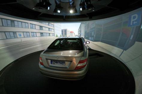 Neuer Fahrsimulator bei Daimler in Sindelfingen (2010)