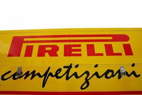 Pirelli hat nun auch Testfahrten mit den Reifen für nasse Verhältnisse bestritten