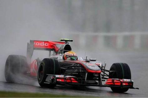 Lewis Hamilton versuchte es am Vormittag im heftigen Suzuka-Regen