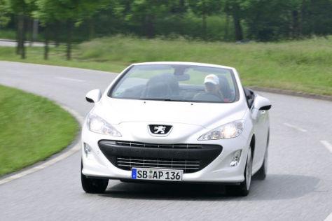 Peugeot 308 CC weiß von vorn
