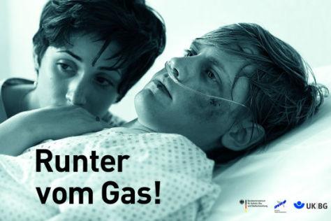 """Plakataktion """"Runter vom Gas!"""""""