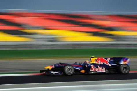 Mark Webber lässt sich am Samstag einen neuen Motor in seinen RB6 einsetzen