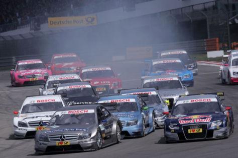 Start DTM 2010 Audi und Mercedes