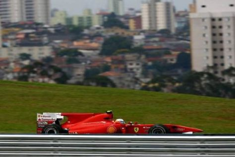 Alonso hofft, dass er die Nicht-Red-Bull-Konkurrenz hinter sich halten kann