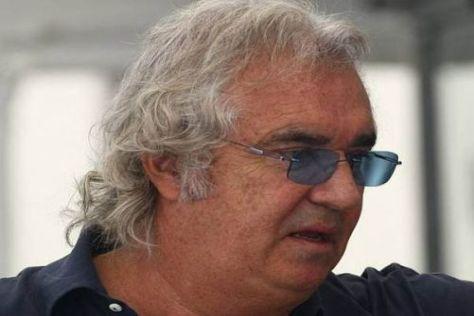 Keine Überholen in der Wüste: Flavio Briatore tut es für Fernando Alonso Leid