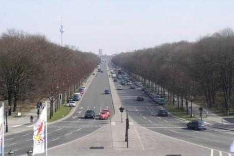 Die Berliner Straße des 17. Juni wird am Samstag wohl rappelvoll sein