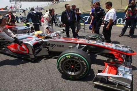 Auch Red-Bull-Teamchef Christian Horner beäugte den McLaren-Boliden