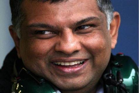 Tony Fernandes wehrt sich gegen die Behauptungen der Konkurrenz