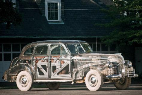 "Pontiac Deluxe Six Sedan (1939) ""Ghost Car"""