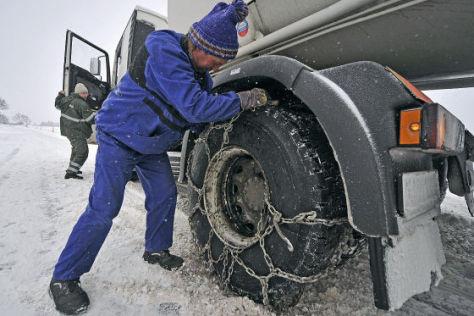 Tankstellen im Schneechaos