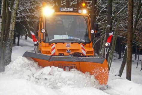 Unimog U 300 im Schneeeinsatz