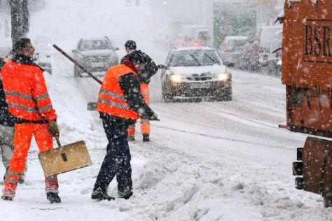 Verkehrschaos durch Wintereinbruch