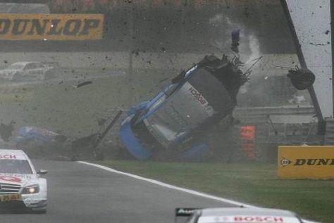 Eines der Bilder des Jahres: Der Crash von Alexandre Prémat in Adria