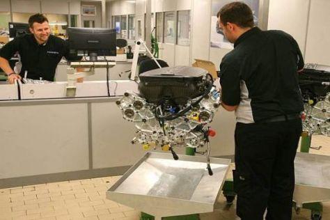 Bei Cosworth werden noch bis 2012 weitere V8-Motoren zusammengebaut