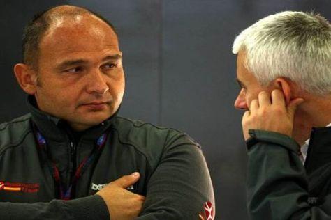 Teamchef Colin Kolles und Geoff Willis basteln am HRT-Paket für die Saison 2011