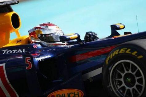 Formel-1-Weltmeister Sebastian Vettel sitzt bei Red Bull fest im Sattel - auch 2011