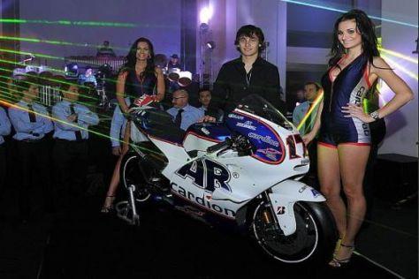 Karel Abrahams neues Spielzeug: Natürlich ist die Ducati GP11 gemeint...