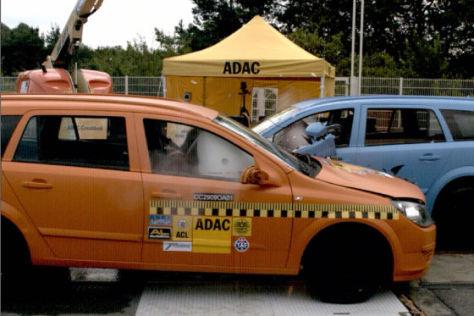 ADAC-Crashtest zu Mehrfachkollision