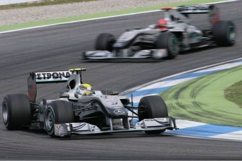 Michael Schumacher musste sich 2010 regelmäßig hinter Nico Rosberg anstellen